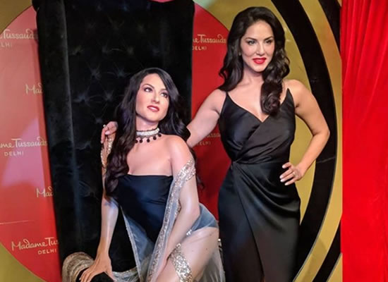 Sunny Leone uncovers her wax statue at Madame Tussauds in Delhi!