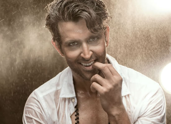 HRITHIK'S READY TO PLAY!