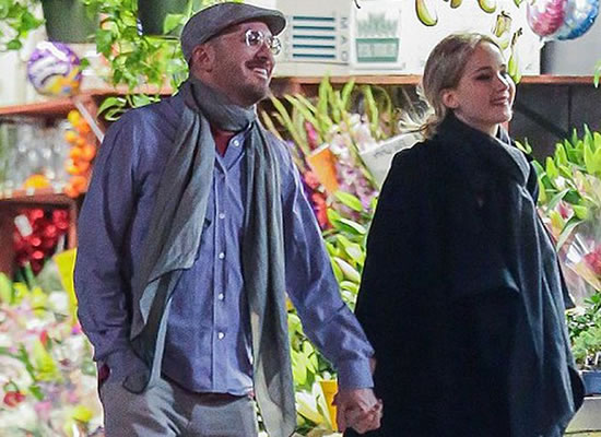 Jennifer Lawrence is Dating Darren Aronofsky!