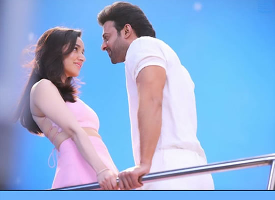Prabhas and Shraddha Kapoor's sizzling chemistry in Saaho!
