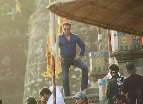 Now Salman and Sonakshi to start Dabangg 3's Mumbai schedule of two months!