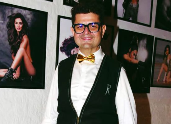 One cannot have copyright on a pose, says Dabboo Ratnani!