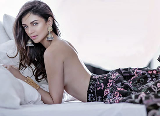 Beautiful Aditi Rao Hydari goes topless for a magazine!