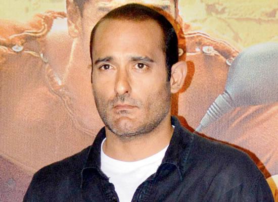 I don't resemble my father, says Akshaye Khanna!