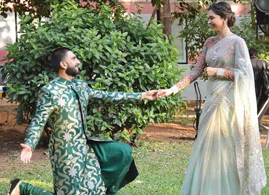 Ranveer goes down on his knees for Deepika Padukone at ring ceremony!