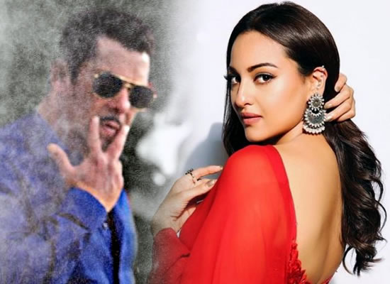 Sonakshi Sinha talks about Salman Khan's young look as Chulbul Panday in Dabangg 3!