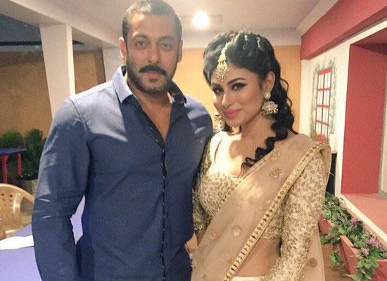I want to make my Bollywood debut opposite Salman, says Mouni Roy!