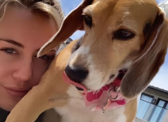 Miley Cyrus pays tribute to her beloved dog who passed away!