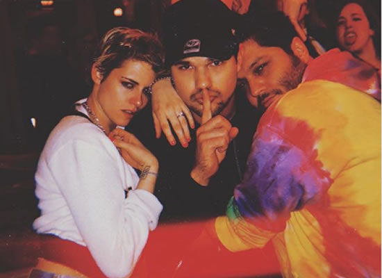 Kristen Stewart reunites with her costar Taylor Lautner at the latter's birthday party!