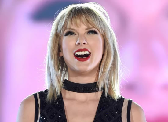 Taylor Swift to help a die-hard fan for her education!