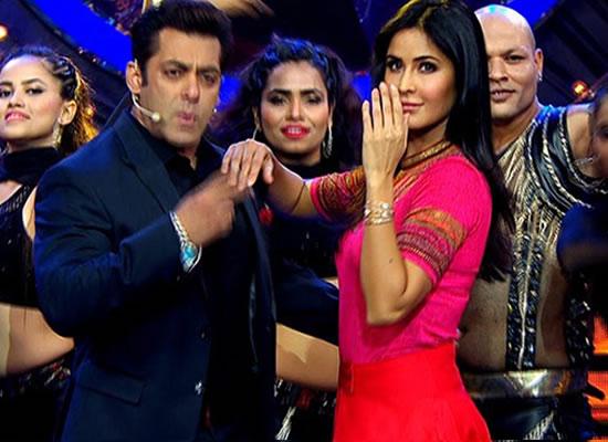 Salman Khan recites SRK's Jab Tak Hai Jaan poem for Katrina!