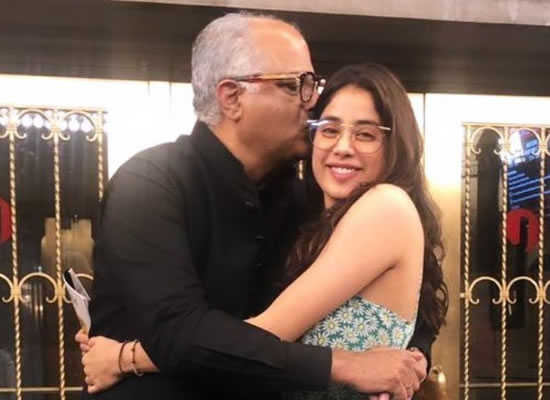 Janhvi Kapoor's sweet birthday wish for daddy Boney Kapoor!