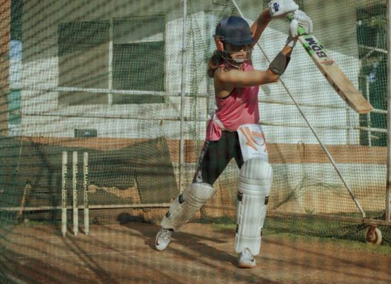 Taapsee Pannu's cricket practice for her next Shabaash Mithu!