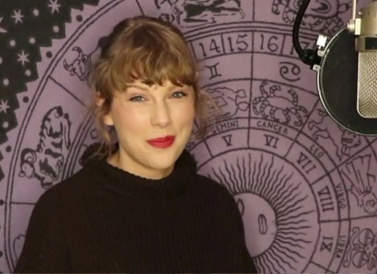 Taylor Swift wins top prize at the American Music Awards 2020!