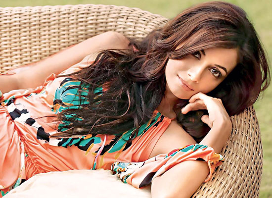 Dia Mirza opens up about housewives and homemakers!