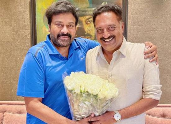 Chiranjeevi to praise Prakash Raj for his role in Vakeel Saab!