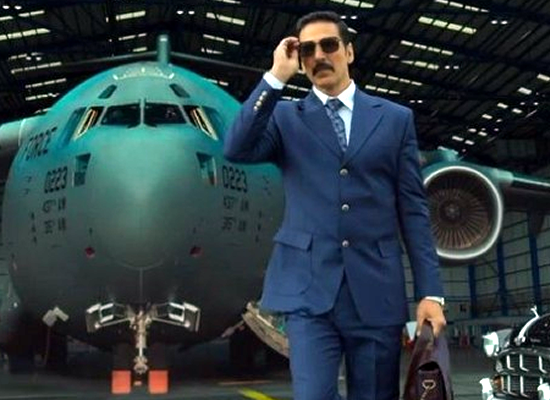 Akshay Kumar to divulge the theatrical release date of Bell Bottom!