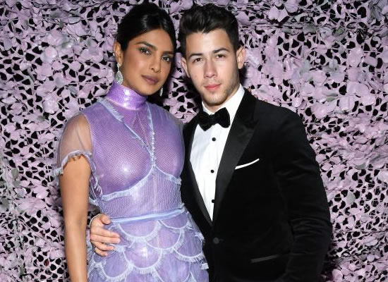 Priyanka and Nick to win the 'People' magazine's Best Dressed of the year!