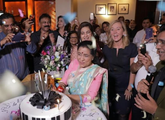 Asha Bhosle to celebrate her birthday in Dubai with family and friends!