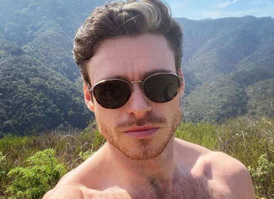 Richard Madden to share 'thirsty' shirtless selfie of himself!