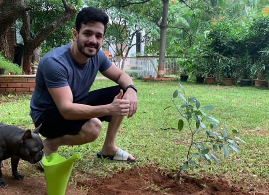 Akhil Akkineni nominates Naga Chaitanya and Varun Tej for the Green India Challenge!