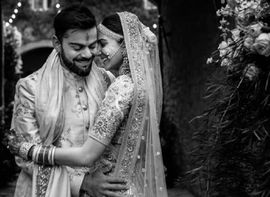 Anushka Sharma's loveable note for Virat Kohli on their wedding anniversary!