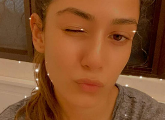 Mira Rajput's goofy act with a perfect pout!