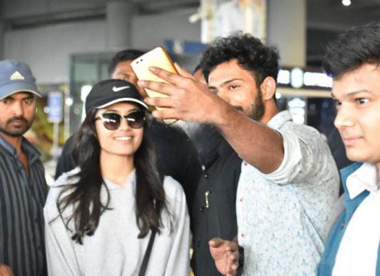 Rashmika Mandanna's selfie with her fans!