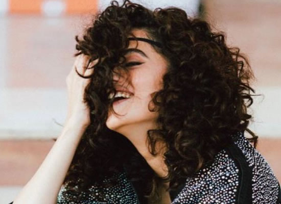 Taapsee Pannu's de-glam avatar with her voluminous curls!