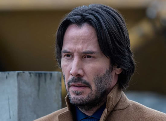 Keanu Reeves doesn't know Internet is obsessed with him!